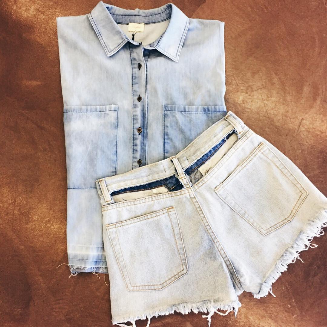 DENIM ROCK FRAYED HEM TOP